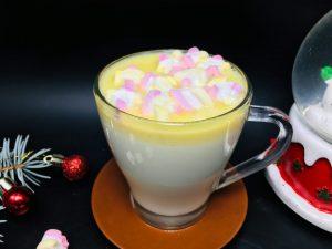 Ciocolata calda alba cu marshmallow