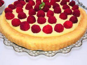 Tarta cu zmeura si crema de vanilie