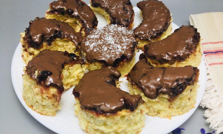 Prajitura Semiluna cu gem si ciocolata